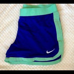 Nike shorts Medium